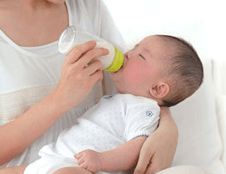 新生児ミルクの時間間隔はどのくらい