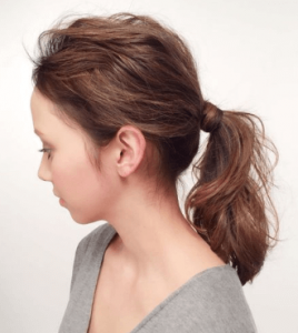 お葬式の髪型(女性)画像 セミロング 5