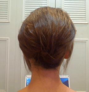お葬式の髪型(女性)画像 夜会巻き 4