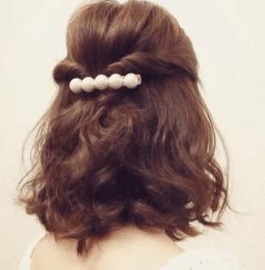 お葬式の髪型(女性)画像 ハーフアップ 2
