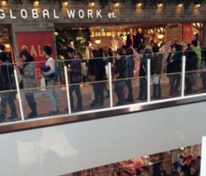 グローバルワーク並ぶ